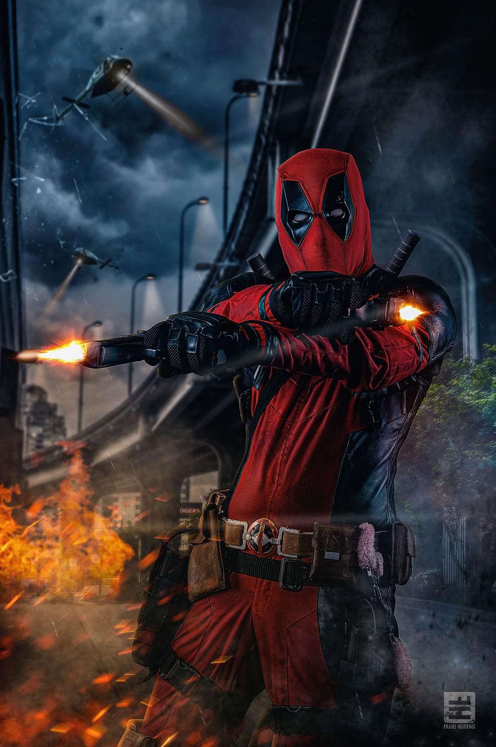 Cosplayer van en uit de film Deadpool
