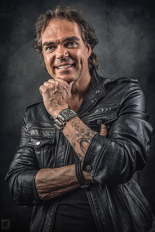 Portret Fotografie - Portret van Erwin de Werd tattoo artiest bij Studio44tattoos in Zoetermeer. Gemaakt voor promotie doeleinden