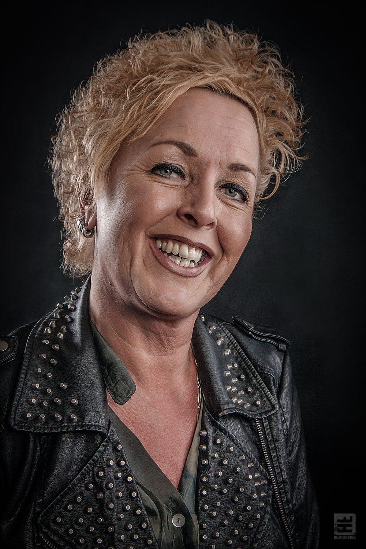 Portret Fotografie - Vrouwelijk portret in de stijl van Frans Heidenis