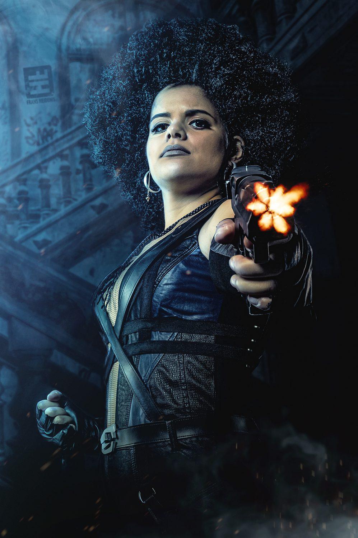 Domino Cosplayer van en uit de film Deadpool 2