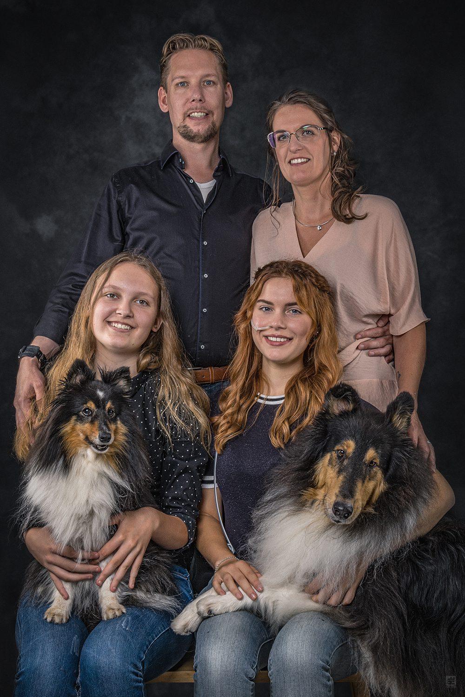 Volledig Familie portret inclusief de honden