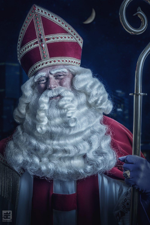 Sinterklaas in een goede vrolijke bui. Portret foto