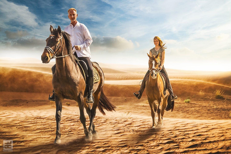 Man en vrouw op paard in de woestijn. Outdoor fotografie en Photoshop composite.